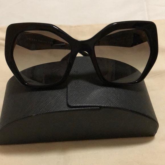 3831d4ea8b Authentic Prada Heritage Sunglasses. M 5b7cbae1283095ccab2ceafa